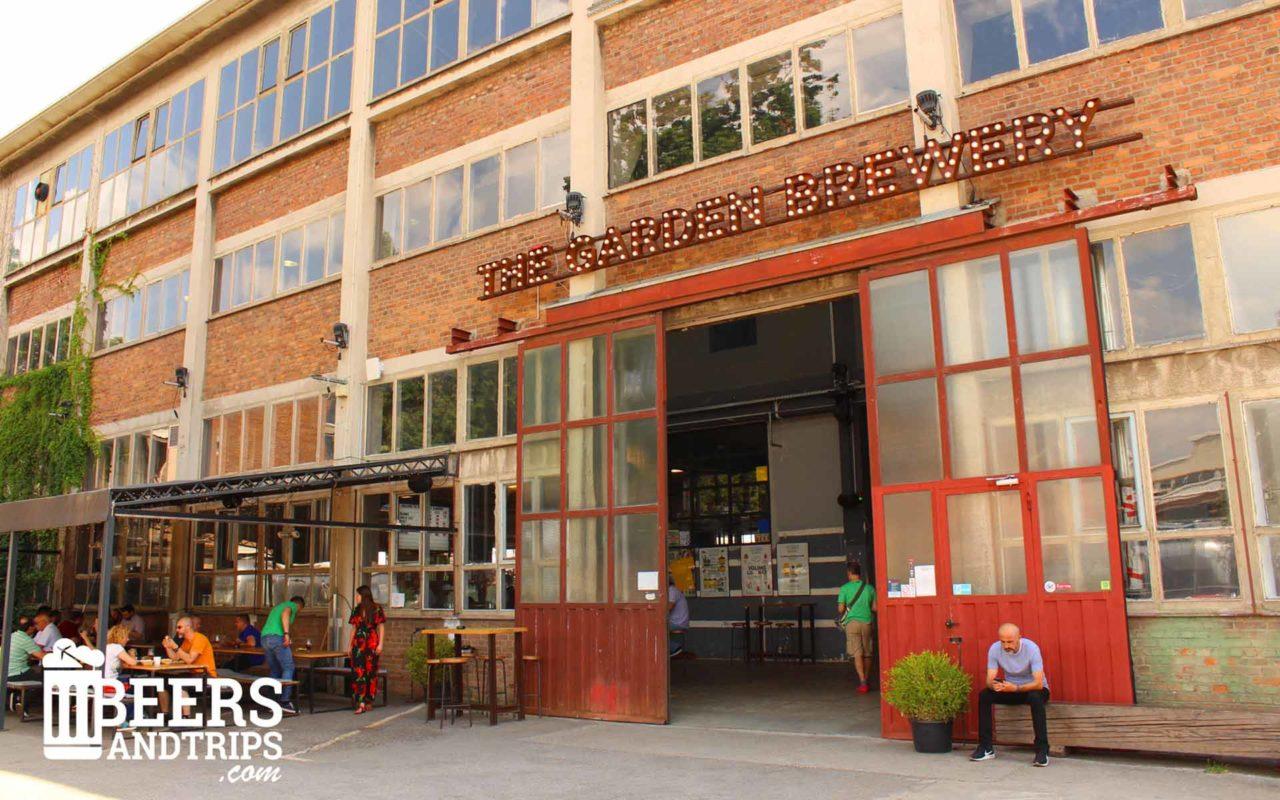 Entrada a The Garden Brewery en las afueras de Zagreb
