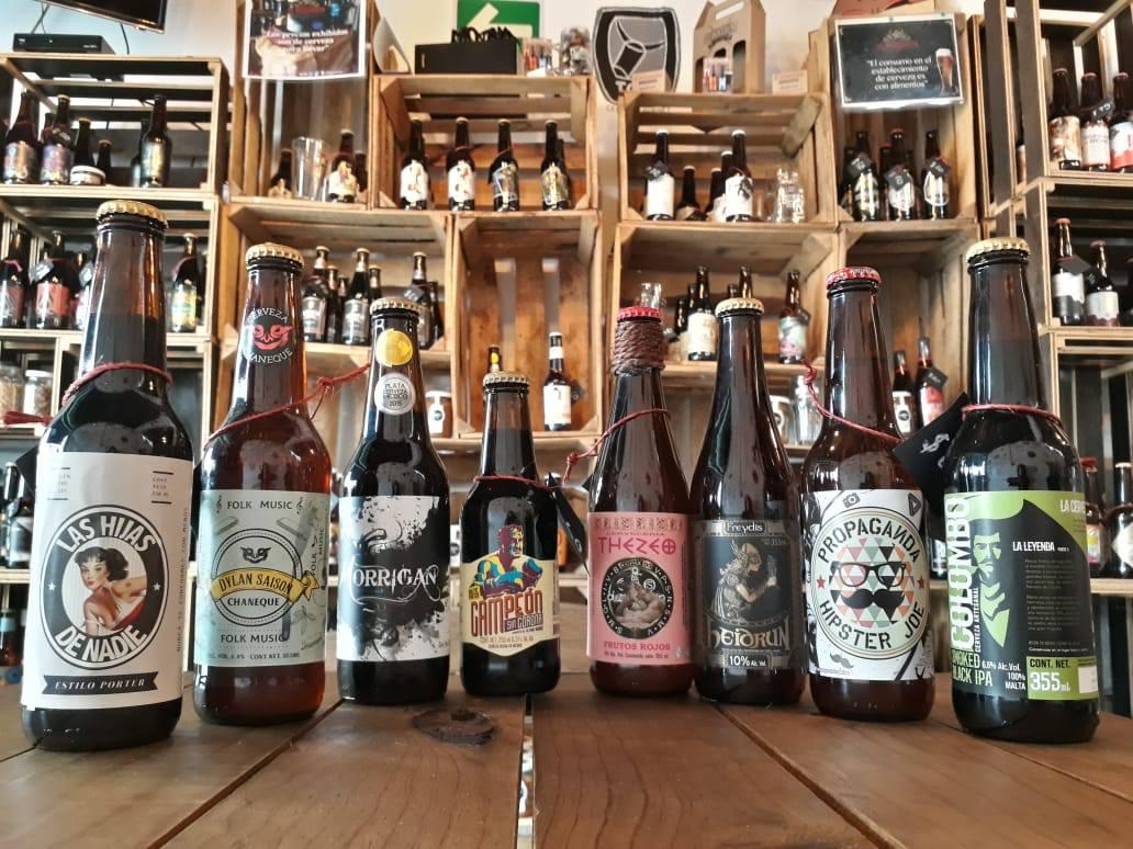 Selección de cervezas artesanas en el Mexicanito