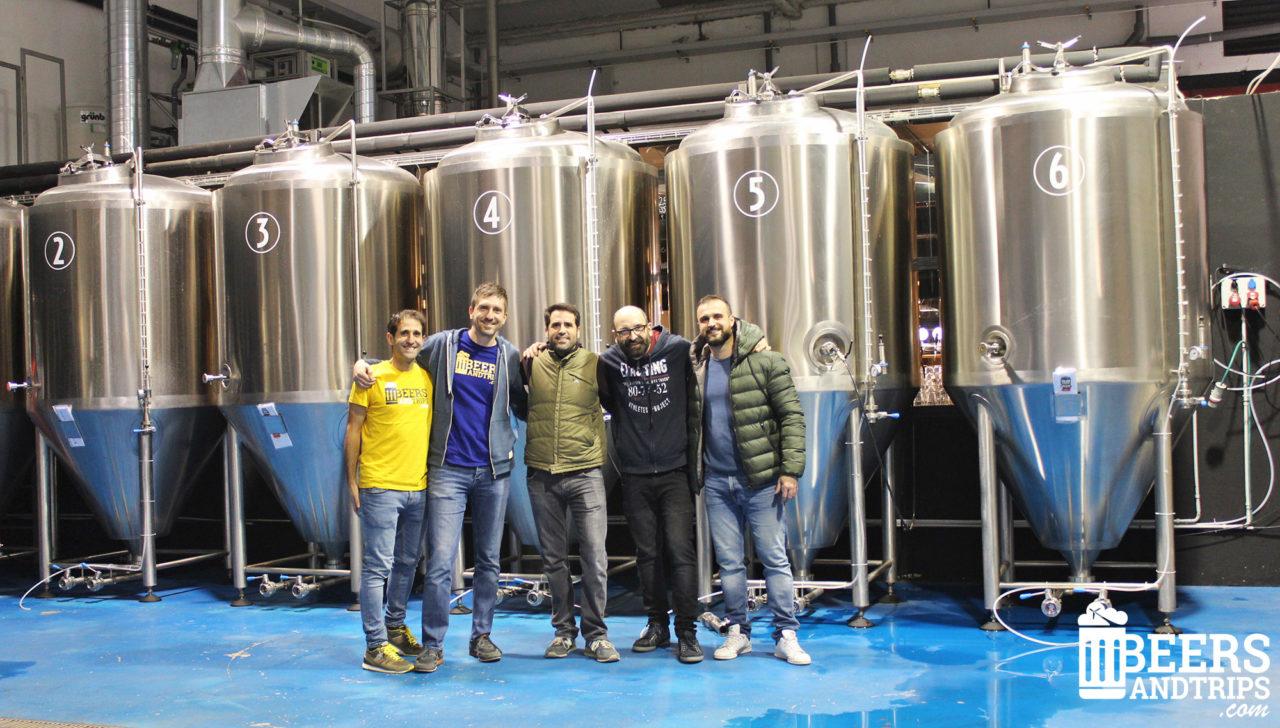 El equipo de Beers and Trips con los chicos de Catalan Brewery
