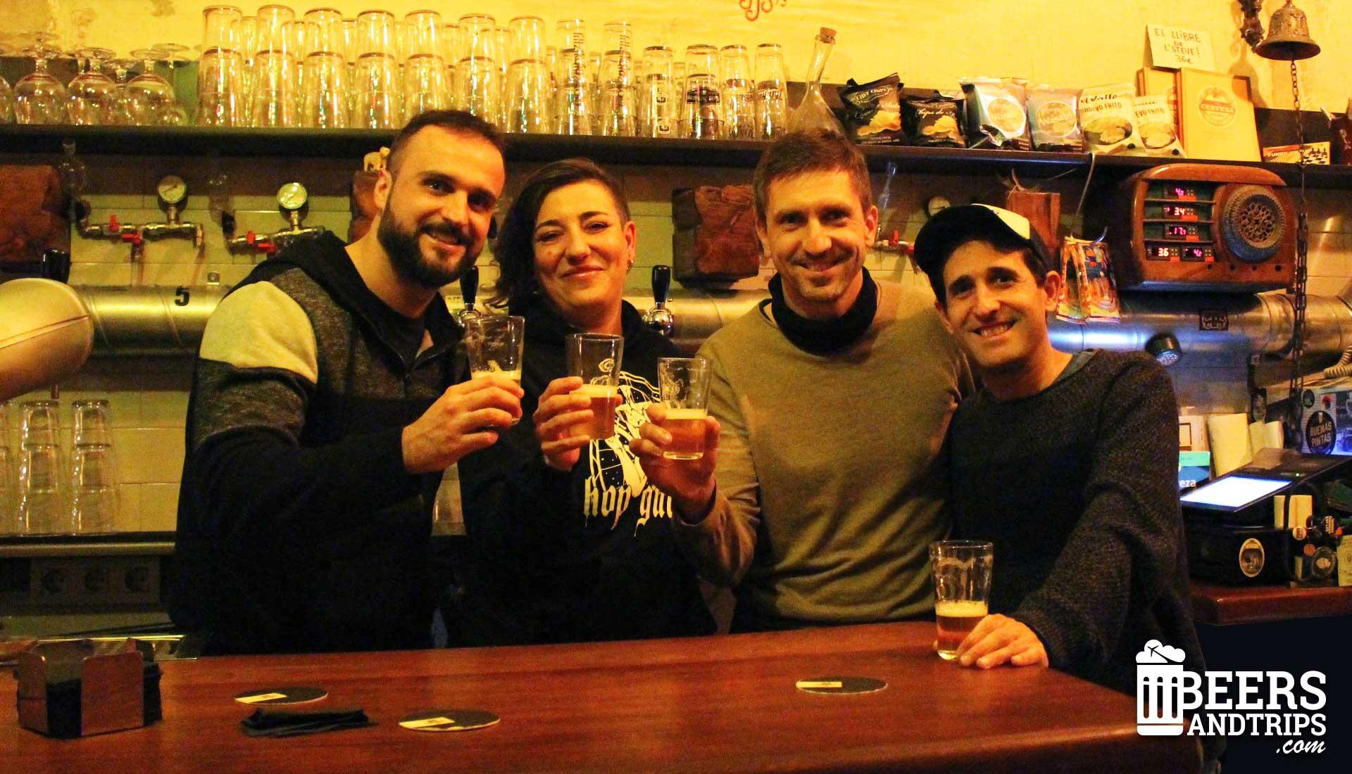 Anna y el equipo de Beers and trips