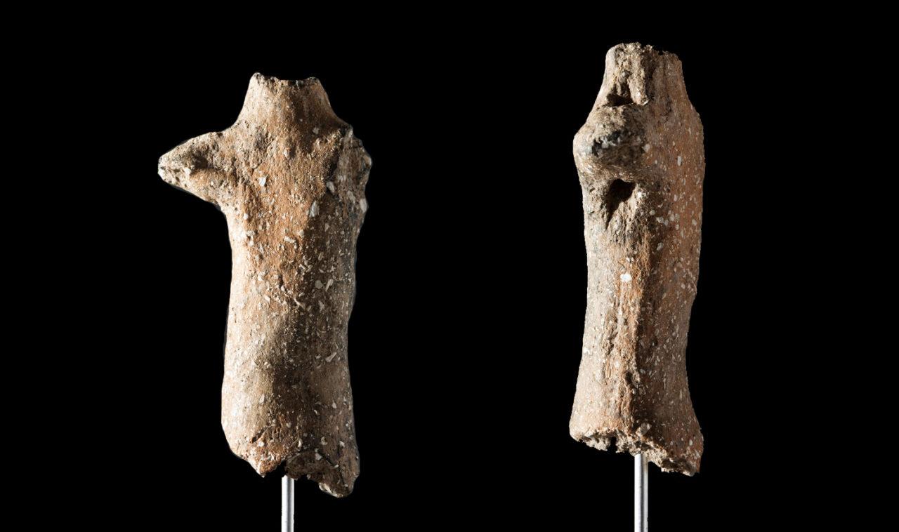 Figura antropomorfa encontrada en el yacimiento de Can Sadurní, y apodada el Encantado