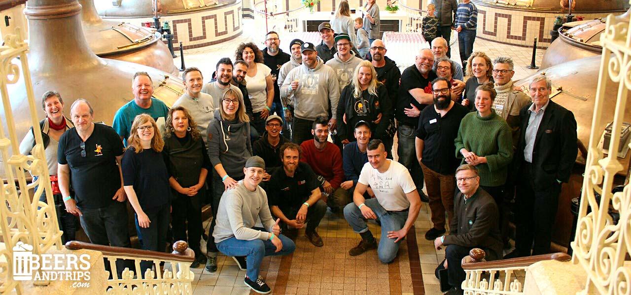Foto de familia con los cerveceros participantes en el LIBF 2019