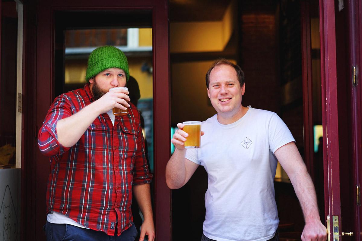 David Ross y Patrick Tuck fundadores de Oso Brew Co