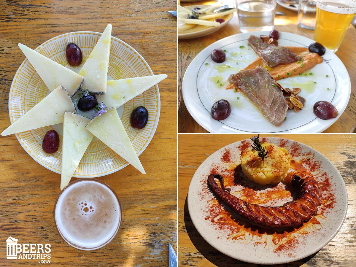 Platos de comida en el Jardín de Ruben's Beer