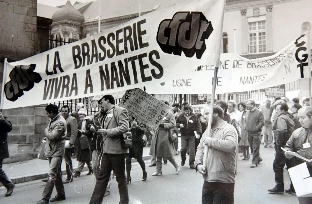 Manifestación contra el cierre de cerveceras en el Nantes de la década de los 80