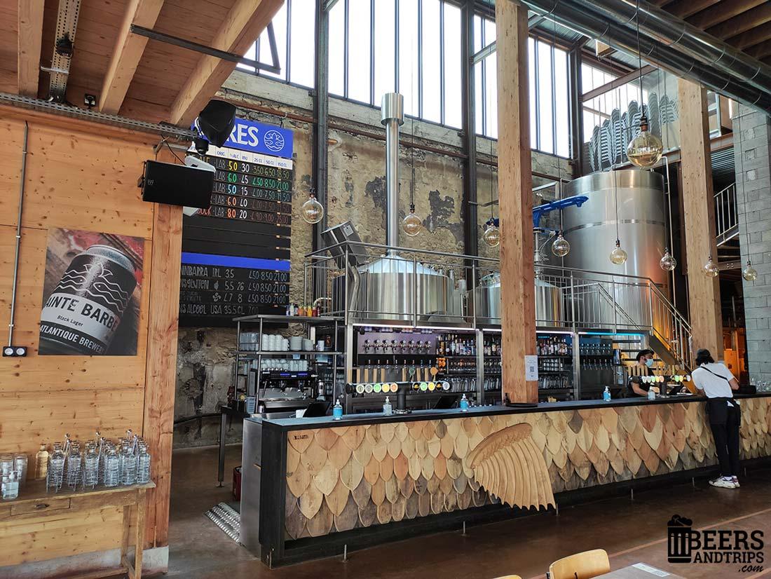 Interior de Little Atlantique Brewery